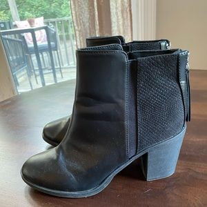 Divided H&M black faux leather heeled booties 8.5